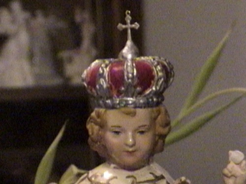 Infant Jesus King and Priest005